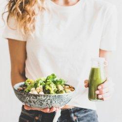 Πώς θα τρως φθηνά και υγιεινά; Η διαιτολόγος μας συστήνει τις καλύτερες και πιο οικονομικές τροφές για να έχεις τώρα